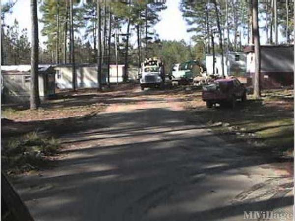 Photo of Pinewood Mobile Home Park, Lincolnton, NC