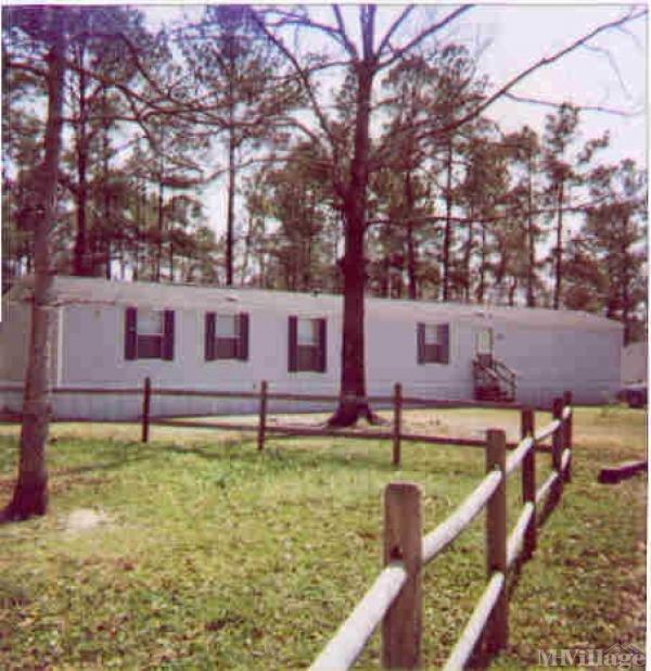 Photo of Hidden Oaks Mobile Home Park, Leland, NC