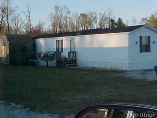 Photo of Arnolds Mobile Home Park, Richlands, NC