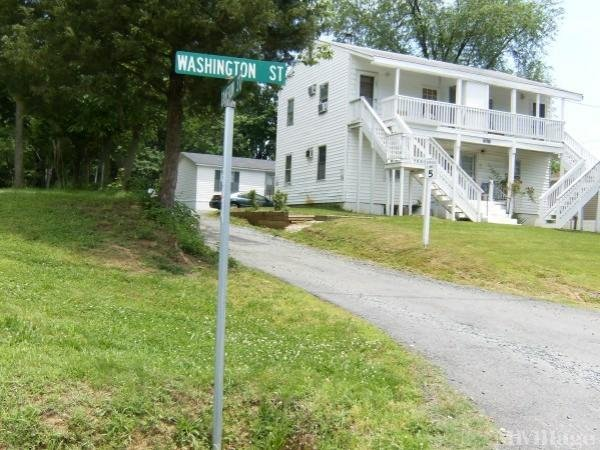 Photo of Cedar Knoll Mobile Home Park, Dumfries, VA