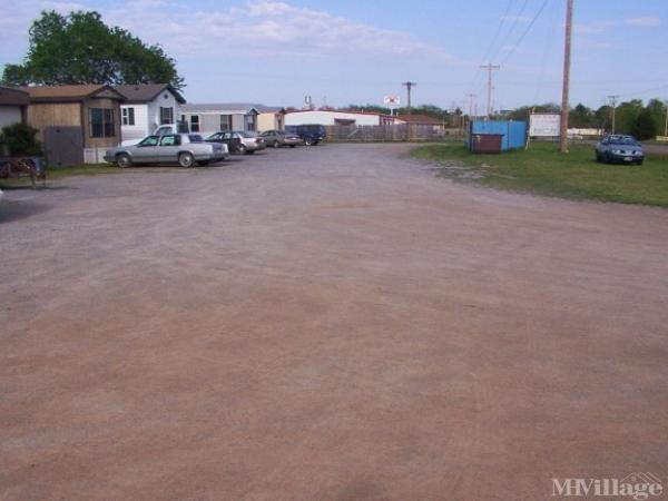 Photo of Burk's Easy Living Mobile Home Park, Cache, OK