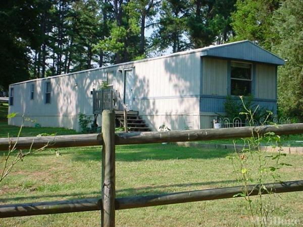 Photo of Pinewood Mobile Home Park, Randleman, NC