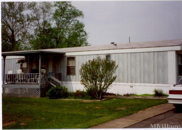 4 B Mobile Estates Mobile Home Park in Weston, WV