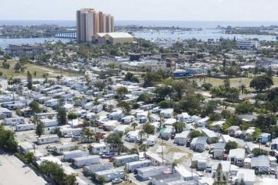 Mobile Home Park in Riviera Beach FL