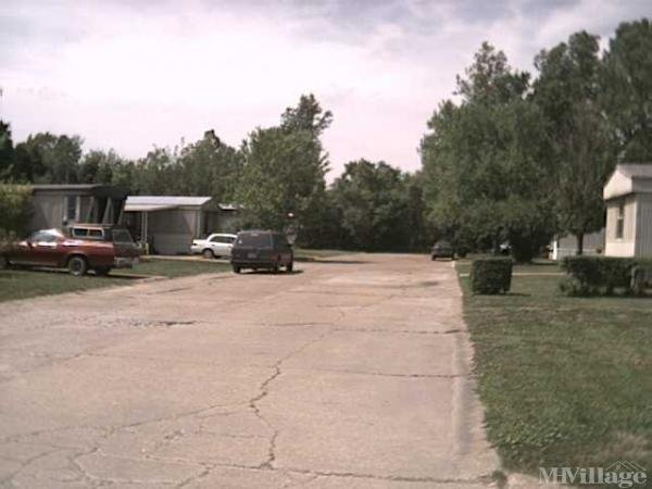 Photo 0 of 1 of park located at 230 Spearmint Drive Fenton, MO 63026