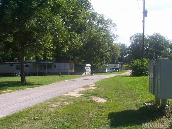 Johnson Mobile Home Park Mobile Home Park in Social Circle, GA