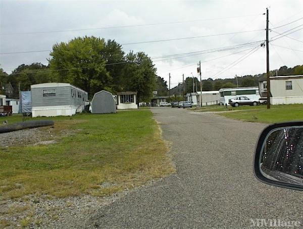 Meadow Brook Mobile Home Park in Parkersburg, WV