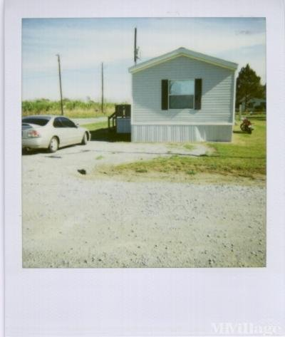 Mobile Home Park in Maurice LA