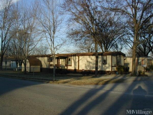 Photo of Oaks Mobile Home Park, Claremore, OK