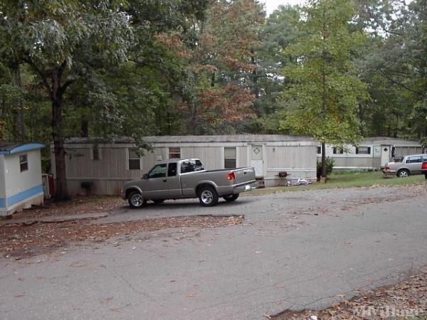 Photo of J & J Mobile Home Park, Newton, NC