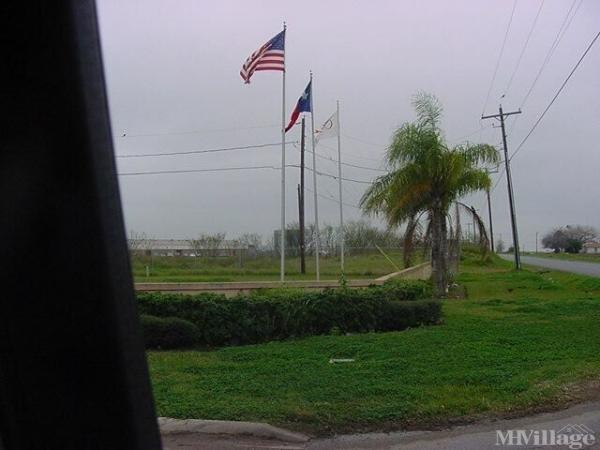 Photo of Paradise South RV Resort, Mercedes, TX