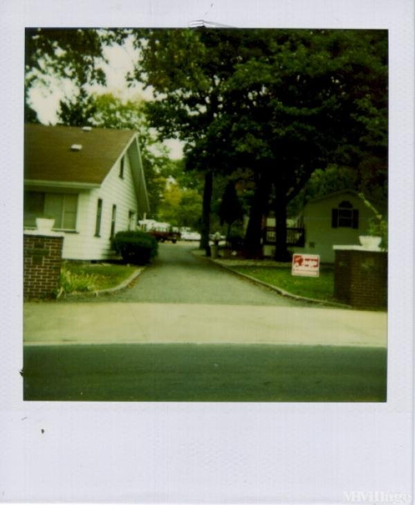 White House Park Mobile Home Park in Akron, OH