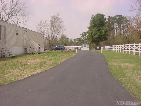 Photo of Colonial Mobile Home Court, Castle Hayne, NC