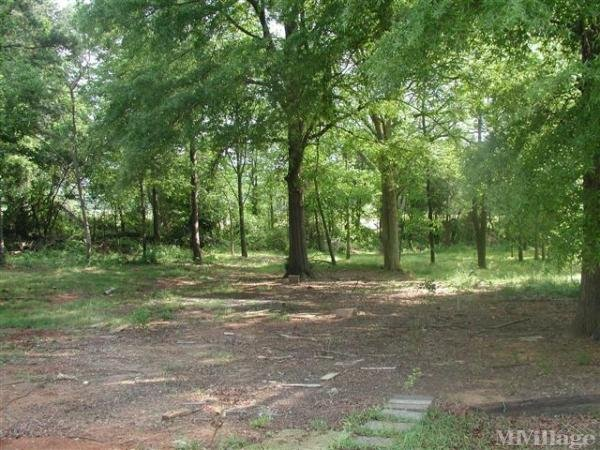 Photo of Raybon Mobile Home Community, Newton, NC