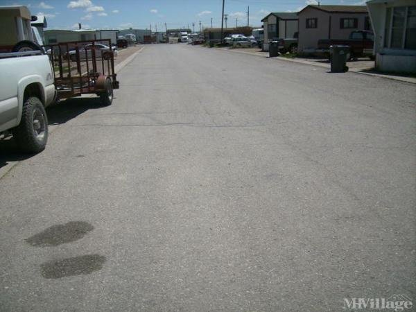 Circle Cross Trailer Court Mobile Home Park in Rawlins, WY