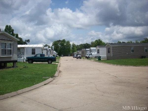 Photo of Country Lane Mobile Home Park, Lumberton, TX