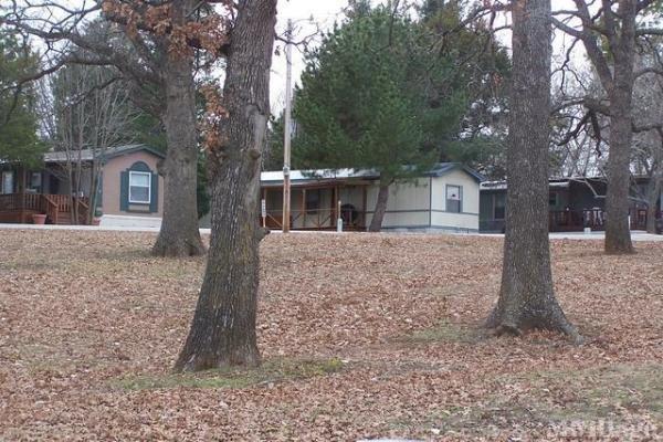 Cedar Mills Marina Mobile Home Park in Gordonville, TX