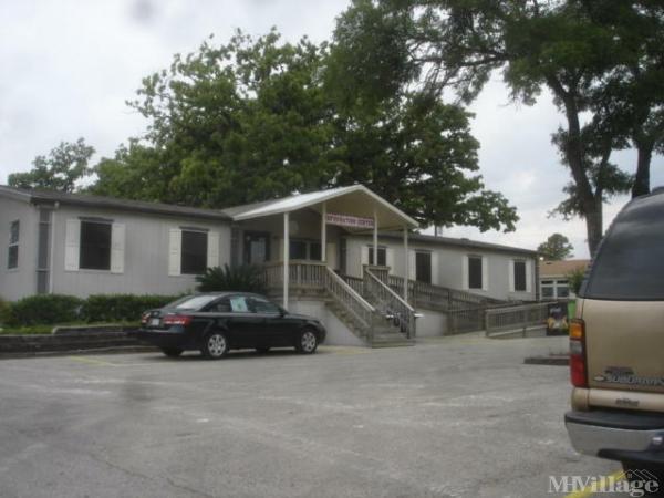 Palm Oaks Mobile Home Park in Austin, TX