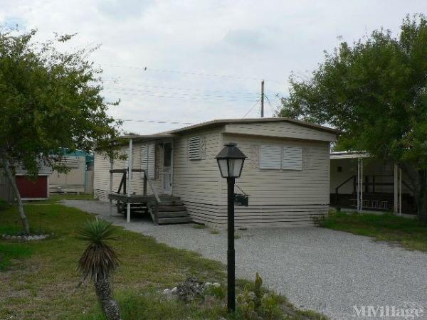 Photo of Gas Lite Village Mobile Park, Aransas Pass, TX