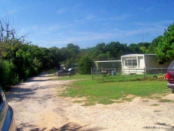 Photo of Breezy Meadows MHP, Alvarado, TX