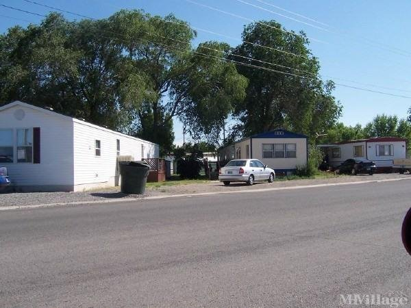 Triangle Court Mobile Home Park in Powell, WY