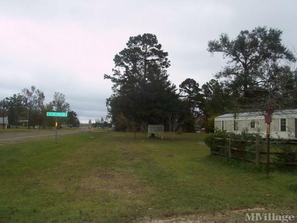 Photo of Robert Mott's Mobile Home Park, Spurger, TX