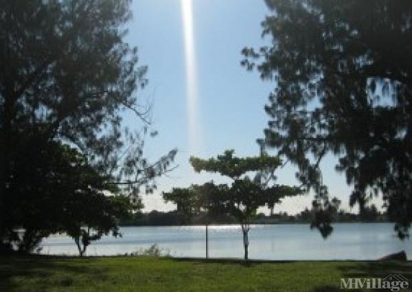 Photo of Sunshine Holiday, Fort Lauderdale, FL