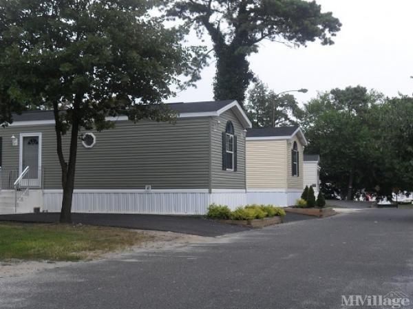 Atlantic Gardens Mobile Home Park in Egg Harbor Township, NJ