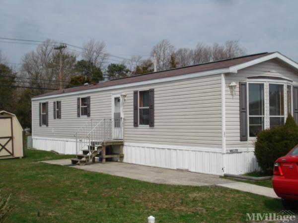 Briarwood Community Mobile Home Park in Cape May Court House, NJ