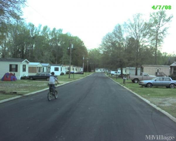 Photo of Central Mobile Home Community, Monroe, GA