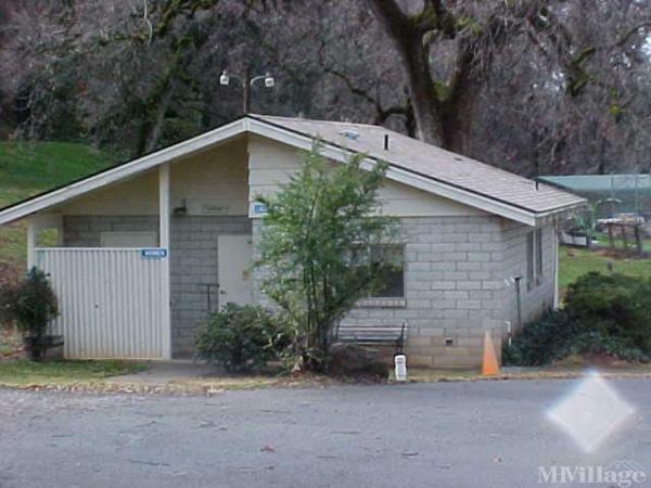 Photo of Fawndale Oaks RV Park, Redding, CA