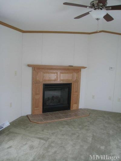 Wood mantle gas fireplace