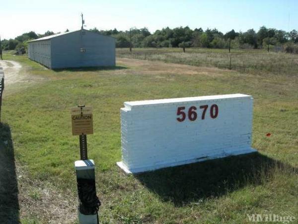 Photo of Giddings Mobile Home Park, Giddings, TX