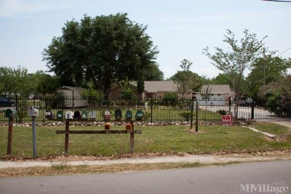 Photo of Plaza Mobile Home Park, Bay City, TX