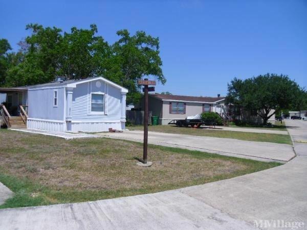 Photo of Cimarron Country Mobile Home Park, Dickinson, TX