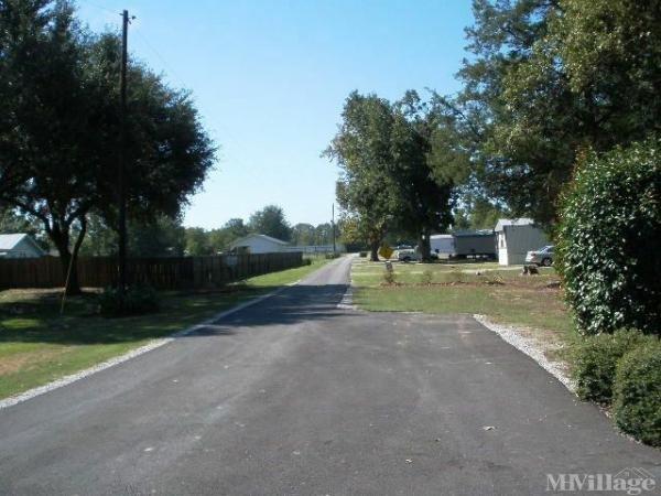 Twin Oaks Mobile Park Mobile Home Park in Hessmer, LA