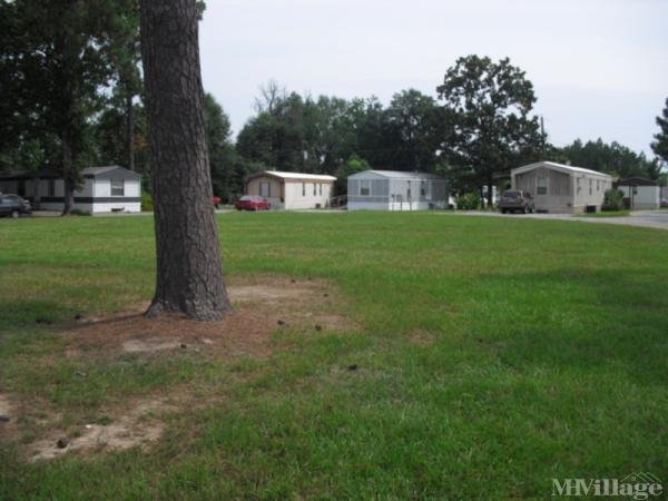 Gary Fordham MHP Mobile Home Park in Hattiesburg, MS