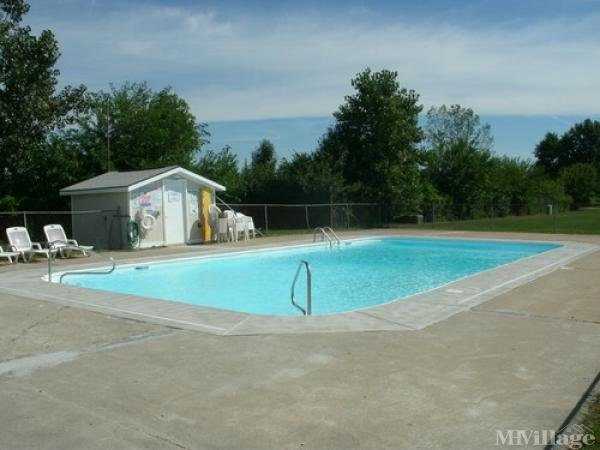Friendly Village (North) Mobile Home Park in Perrysburg, OH