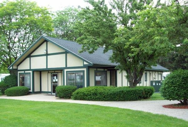 Windsor Estates Mobile Home Dealer in Dimondale, MI