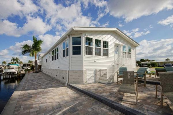 LeeCorp Homes mobile home dealer with manufactured homes for sale in Estero, FL. View homes, community listings, photos, and more on MHVillage.