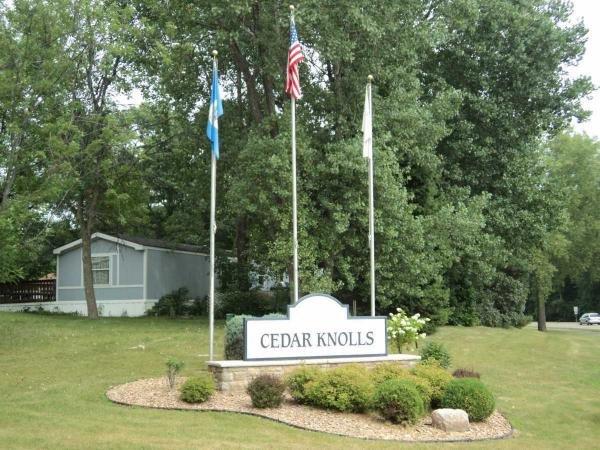 Cedar Knolls Mobile Home Dealer in Apple Valley, MN