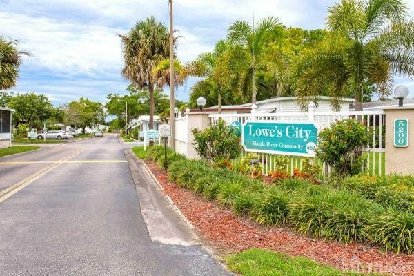 Sawgrass Trails at Lowe's City Mobile Home Dealer in Saint Petersburg, FL