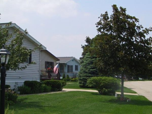 Harbor Heights Mobile Home Dealer in Waterford, WI