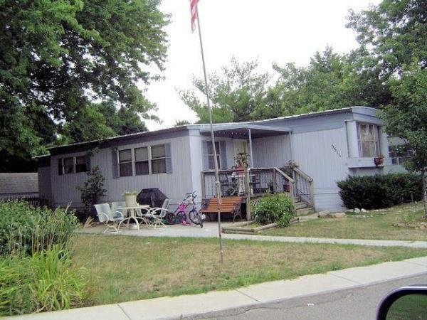 Colonial Manor Mobile Home Dealer in Kalamazoo, MI