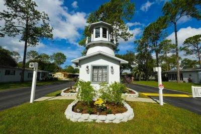 Mobile Home Dealer in Spring Hill FL