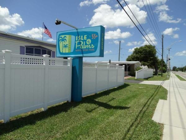 Isle of Palms Mobile Home Park Mobile Home Dealer in Saint Petersburg, FL
