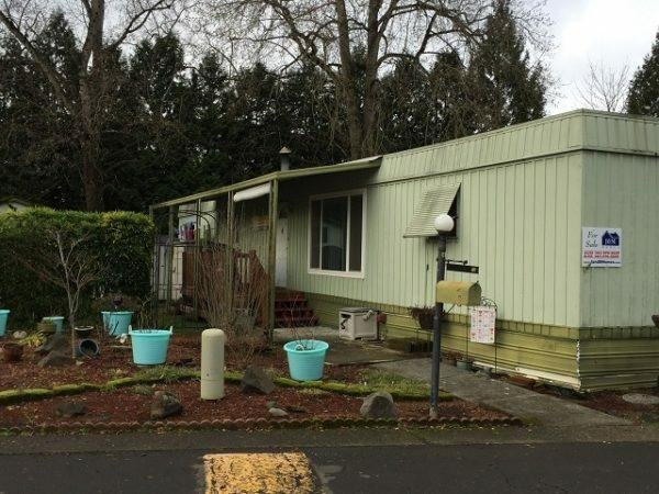 Photo 1 of 1 of dealer located at 12901 SE 97th Ave   #100 Clackamas, OR 97015