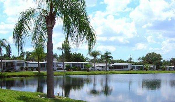 Crystal Lake Mobile Home Dealer in Pinellas Park, FL