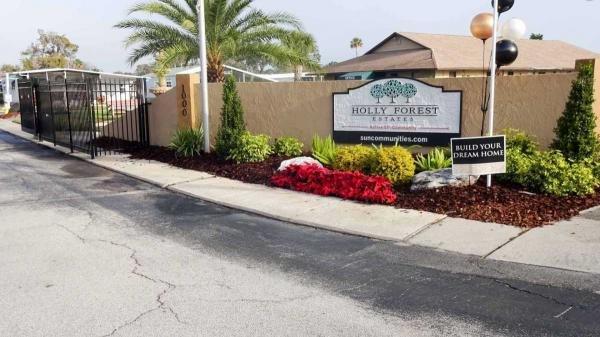 Sun Communities Mobile Home Dealer in Holly Hill, FL