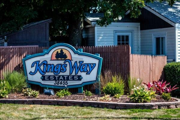 Kings Way Mobile Home Dealer in Beach Park, IL